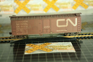 HO ROUNDHOUSE 40' Plug Door Boxcar CN 411610 Canadian National (012004)