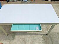 Generalaire Table / Writing Desk Iconic Industrial Era Hila-Plas GF top
