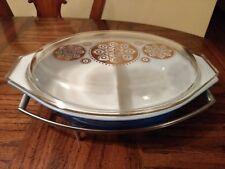 HORIZON BLUE Pyrex 1.5 Quart Blue Divided Casserole Dish with Stand rack