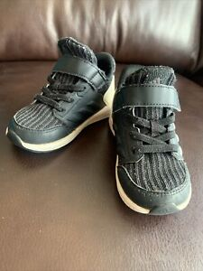 Adidas Baby Boy Tennis Athletic Shoes Toddler 6 Black White Rapid Run Sneakers
