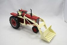 SpecCast International Farmall 544 Narrow Front Tractor & Loader 1:16, ZJD 1701