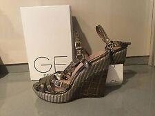 Woman's GF  Ferre wedges, size 39