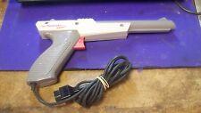 Vintage 1985 NINTENDO ZAPPER CONSOLE SHOOTING GUN NES Duck Hunt Light 8 bit OEM