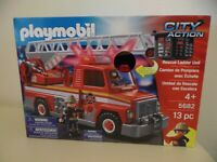 Playmobil City Action FIRE TRUCK Rescue Ladder Unit 5682 Lights & Sounds NEW