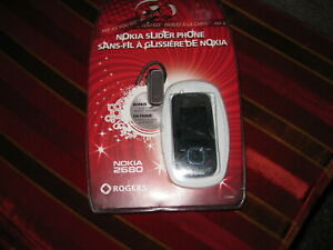 Nokia Slider Phone 2680 -Rogers NEW SEALED