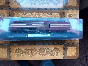 Amercom 1/76 Scale Model Train 02 - 1938 Class 8P Duchess N0. 6220 Coronation