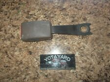 96-02 TOYOTA 4RUNNER OEM OAK RIGHT PASSENGER FRONT SEAT BELT BUCKLE YOTA YARD