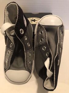 Boy's or Girl's NEW Infant size 4 Converse Chuck Taylor Tri-Colored Shoes