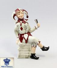 Porzellan Figur Wagner & Apel Narr Eulenspiegel rot mit Pokal H18cm 9942246