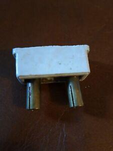 fusible porcelaine rechargeable  6 A Legrand axe des broches 2 cm occasion