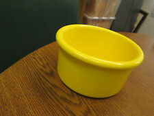 "Crock style bird or pet water/food plastic dish 28"" oz.bowl Yellow color"