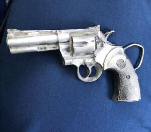 VINTAGE 1978 Colt Python Revolver Bergamot Brass Works Belt Buckle #L-156