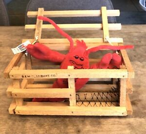 B&M CLAMBAKE CO. PLUSH LOBSTER AND MINI WOODEN LOBSTER TRAP NOVELTY FUN CUTE