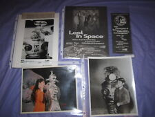 Lost In Space Lot Return to Earth Celebration Program & Brochure 1998 & Pictures