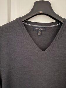 Men's  Charcoal Pure Merino Wool V Neck Jumper Sz M, Excellent Condition