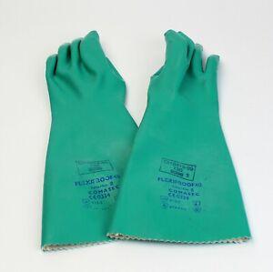 Comasec Flexiproof 40 Nitrile Chemical Resistant Gauntlet Gloves. SIZE 8  Medium
