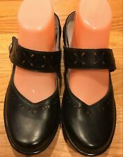 Klogs Clogs Black Leather Women Size 8.5 M Cross Straps with cut outs