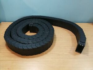 R58 Igus Plastic Cable / Energy Chain Closed 5 Metre Length 50mm x 90mm External