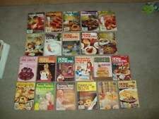 22 vintage COOKBOOKS booklets Women's Circle DIGEST recipes FOOD HOME COOKING
