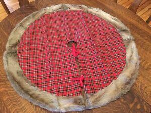"""Christmas Tree Skirt Plaid With Faux Fur Trim 35"""""""