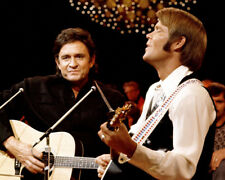 """Johnny Cash UNSIGNED 10"""" x 8"""" photograph - K9398 - With Glen Campbell"""