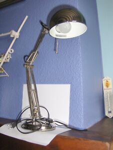 ***( A  21   )    Lampe de bureau