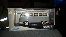 1/18 SCALE DIECAST 1962 VW MICROBUS IN WHITEBLUE BY WELLY.