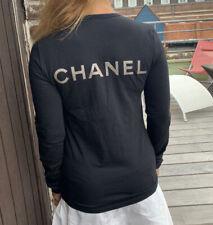 Joli Tee Shirt Chanel  Taille S= Xs