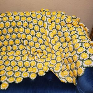 Vintage Daisy Crochet Afghan Blanket Throw 3 Dimensional Flowers 62 x 46 Twin Sz