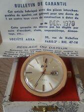 SUPERBE MONTRE PENDULETTE DE BUREAU NEUVE DE STOCK année 1970