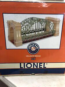 Lionel HELLGATE BRIDGE # 305 Tinplate # 6-32904 GREEN & CREAM # 2875