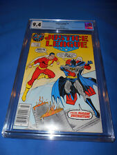 JUSTICE LEAGUE CGC 9.4 NM RARE Superman Logo Test Variant White Pages Maguire
