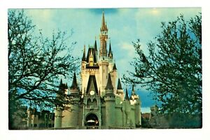 Postcard Disney World Enchanting Evening with The Towering Cinderella Castle. O