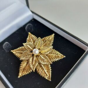 Retro Textured Gold Tone Floral Brooch, Faux Pearl Centre, Rollover Clasp