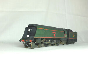 Hornby OO scale Bulleid West Country Class steam loco.