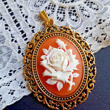 Shabby Anhänger Farbe Altgold mit Camee Gemme ROSE Lachs Weiss Tracht кулон