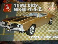 1969 Oldsmobile Olds 442 W-30 1:25 AMT Model Kit Bausatz AMT1105