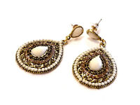 Bijou alliage doré boucles d'oreilles pendantes lucite beige earrings