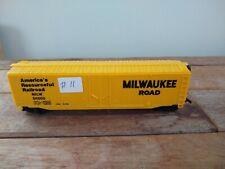 Preowned Bachmann 50' plug door boxcar Milwaukee Road paint #11