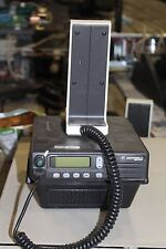 MOTOROLA MCS-2000 RADIO M01UJL6PW4BN WITH BASE