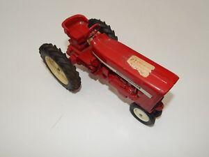 ERTL International Harvester 404 Rare White Wheels  R17539