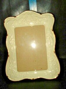 "cream Floral Ceramic Picture Frame 5"" x 7"" Freestanding Scalloped Edge Gold Trim"