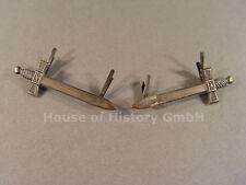 Unbekannte Freikorps Kragen Abzeichen, Paar versilberte Schwerter, Splinte, 7897