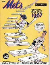 1967 Baseball Yearbook magazine, (Revised) New York Mets,Tom Seaver Ron Swoboda