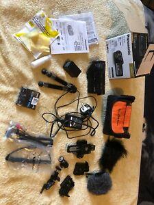 Panasonic HC-X920 - 3MOS, Full HD, WiFi-semi-pro camcorder, mint condition boxed