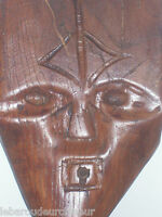 Masque en bois Afrique ou Océanie