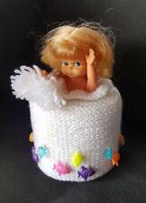 Wc Rollen Hut gehäkelt maritieme Hutablage mit Puppe  Retro 70er Handarbeit