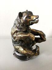Ancienne mascotte en régule animalier ours, non signé, automobile art deco
