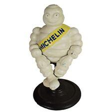 Mascotte Bibendum Bibendum assis Fonte Figurine statue sur le stand