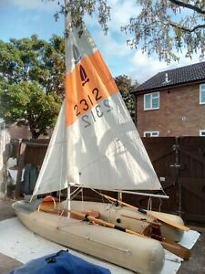 Tinker Traveller inflatable sailing dingy. Spares or repair.